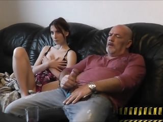 Tochter hilft Daddy-Famlienleben 2 amateur