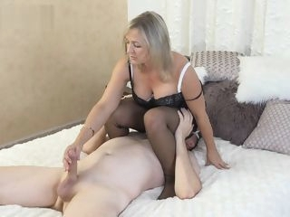 Ala gets on top of slave and gives foot job and facesits wearing nylons. stockings