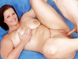 Amazing Plumper Amanda Foxxx Gets Railed brunette