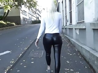 Lara CumKitten - SPERMAWALK AND LEGGINGSWALK blonde